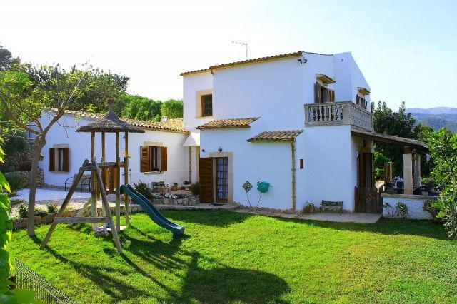 4 bed country house for sale in Spain, Mallorca, Campanet