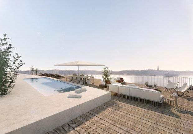 Thumbnail Apartment for sale in Largo Gen. Guerra 19, 2080-039 Almeirim, Portugal