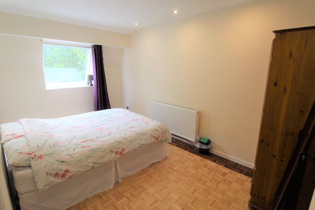 Thumbnail Property to rent in Windsor Court, Moira Terrace, Cardiff