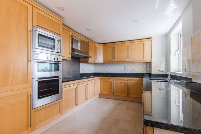 Thumbnail Flat to rent in Glaisher Street, Greenwich, London