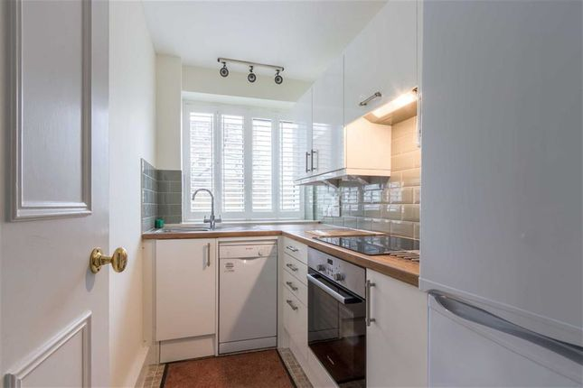 Flat to rent in Fellows Road, London, London