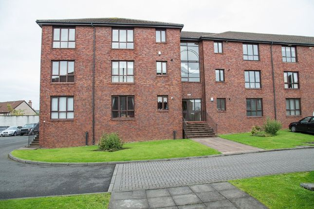2 bed flat to rent in Rutherford Court, Kirkcaldy