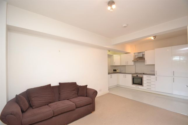 Thumbnail Flat for sale in Kings Court, Hammersmith