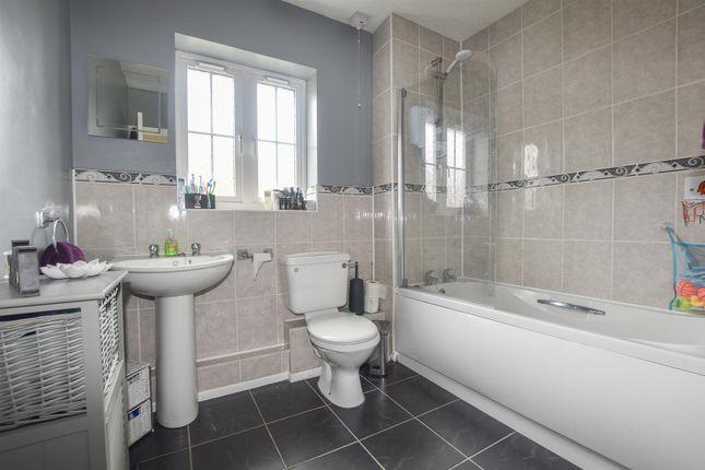 Bathroom of Harbour Way, St. Leonards-On-Sea TN38