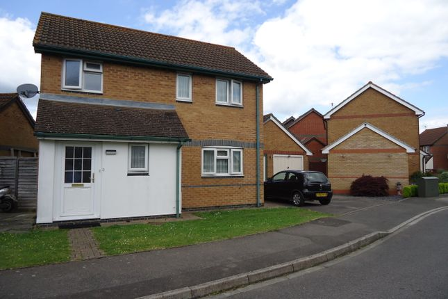 Thumbnail Detached house to rent in Drake Road, Horley