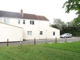Thumbnail Flat to rent in County Road, Swindon, Wiltshire