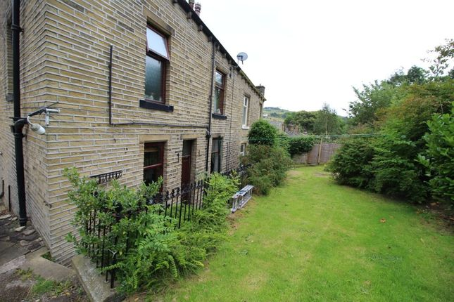 Thumbnail Semi-detached house to rent in Thorp Terrace, Luddendenfoot, Halifax