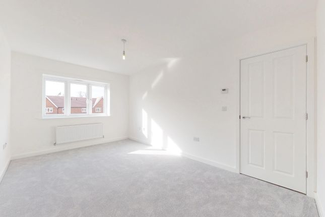2 bedroom flat for sale in Briar Lane, Marringdean Road, Billingshurst