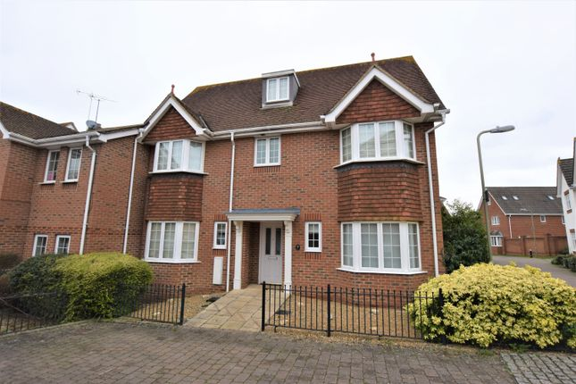 Thumbnail Semi-detached house to rent in Nobs Crook, Hook