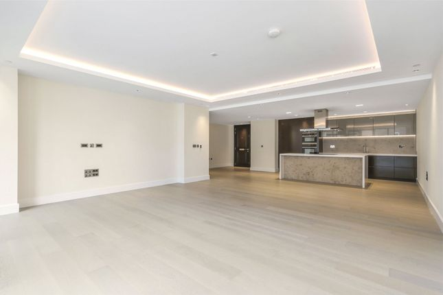 Thumbnail Flat for sale in Thomas Earle House, 1 Warwick Lane, Kensington Row, London