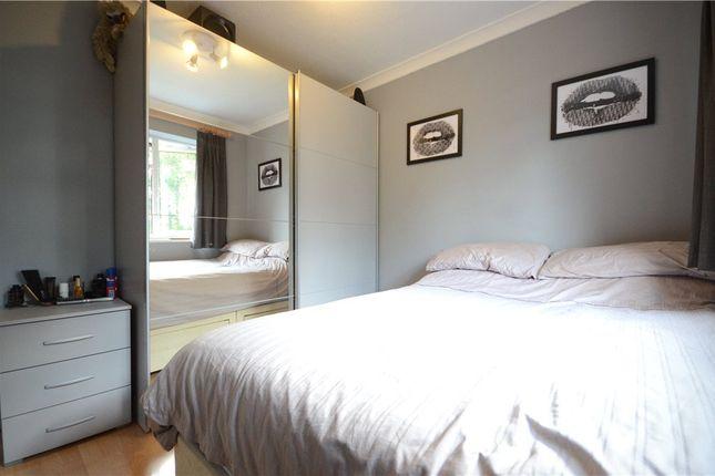 Picture No. 22 of Oak Avenue, Sandhurst, Berkshire GU47