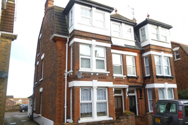 Thumbnail Flat to rent in Upper Cliff Road, Gorleston