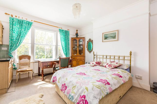 Thumbnail Maisonette for sale in Elsham Road, Holland Park
