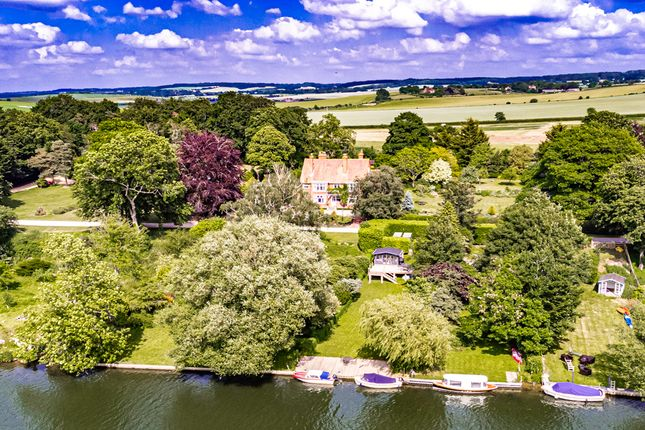 Thumbnail Property for sale in Bridleway House, Goring On Thames