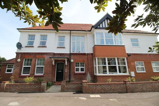 Flat to rent in Mill Road, Worthing