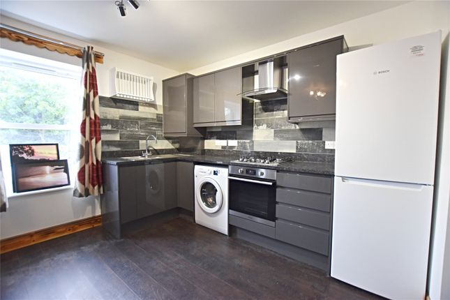 Flat to rent in Lower Addiscombe Road, Addiscombe, Croydon