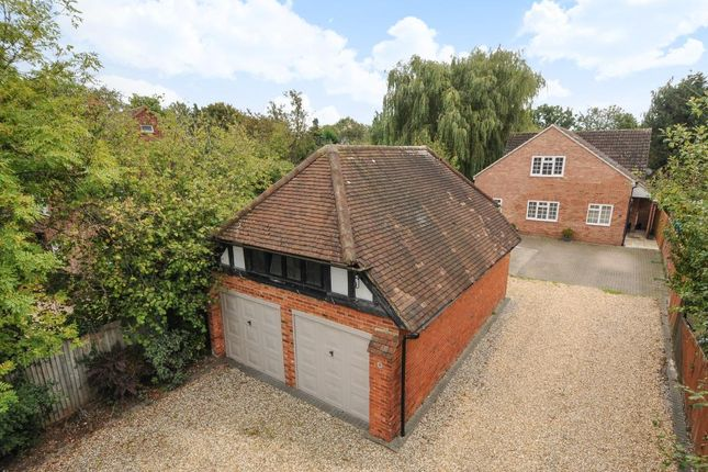 Thumbnail Detached house to rent in Robinhood Lane, Winnersh