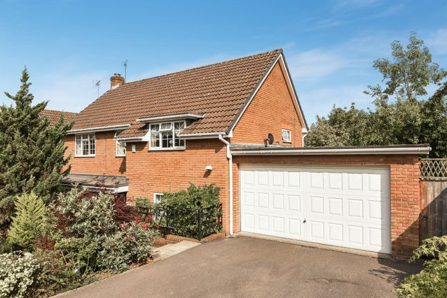 Thumbnail Detached house for sale in Fairway Avenue, Tilehurst, Reading