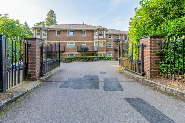 2 bed flat for sale in Chesham Road, Berkhamsted HP4