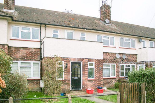 Thumbnail Maisonette to rent in Marlborough Road, Pilgrims Hatch, Brentwood
