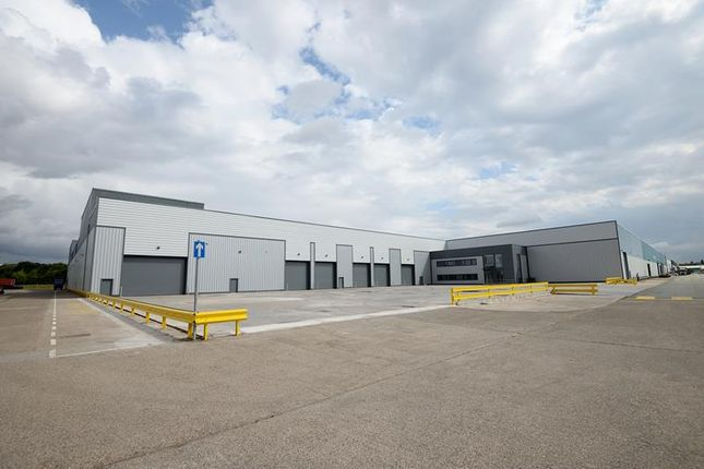 Light industrial to let in Unit 32, Triumph Business Park, Speke, Liverpool, Merseyside