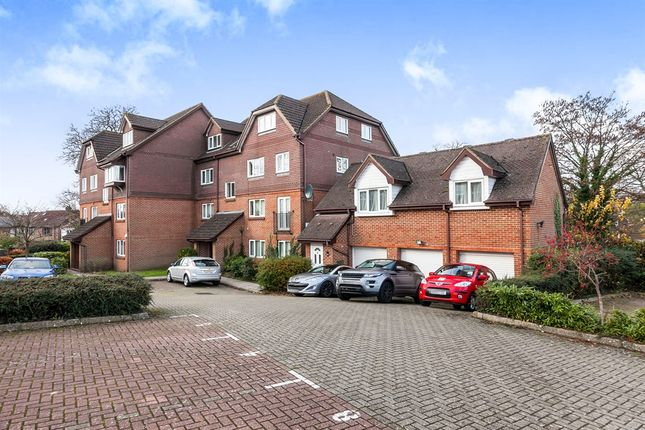 Thumbnail Penthouse for sale in Abbots Rise, Redhill