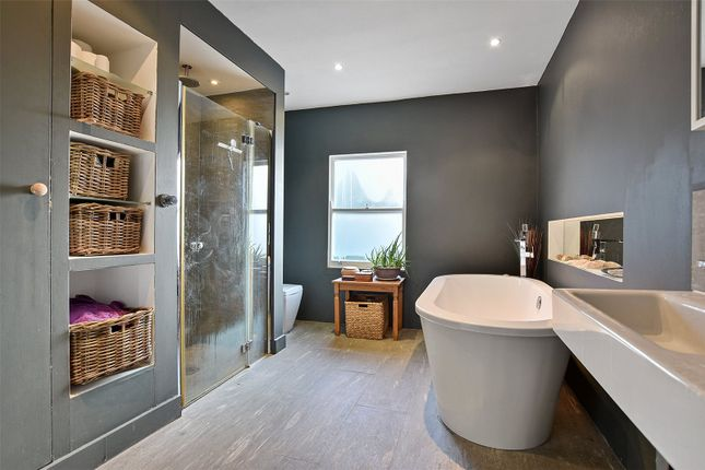 Thumbnail Maisonette for sale in Dashwood Road, Crouch End, London