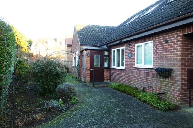 Thumbnail Bungalow to rent in St Johns Avenue, Rugby, Warwickshire