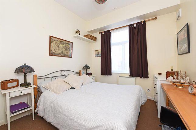 Bedroom of Worple Road, London SW20