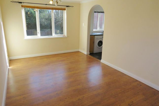 1 bed flat to rent in High Street, West End, Southampton