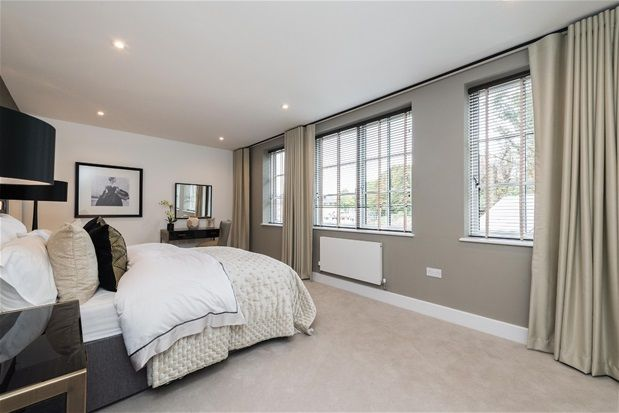 Thumbnail Property for sale in Lawrie Park Crescent, London