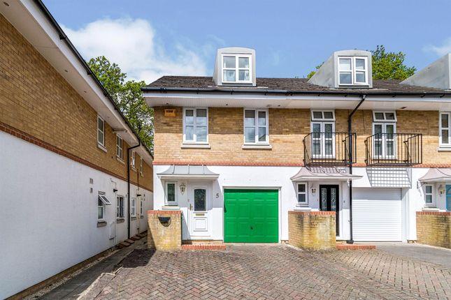 Thumbnail Town house for sale in Arlott Court, Banister Park, Southampton