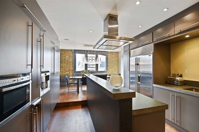 Thumbnail Town house for sale in Bermondsey Street, London