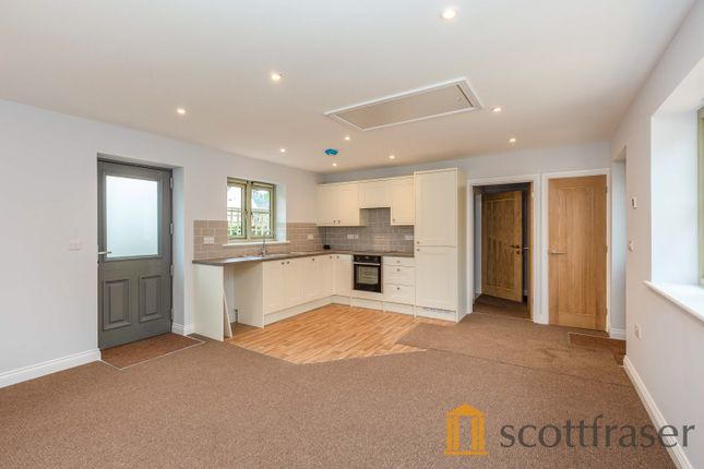 Thumbnail Bungalow to rent in High Street, Standlake, Witney
