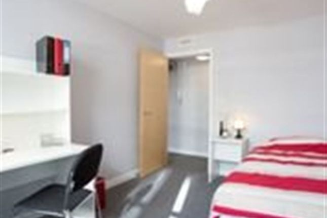 Thumbnail Property to rent in Alma Road, Clifton, Bristol