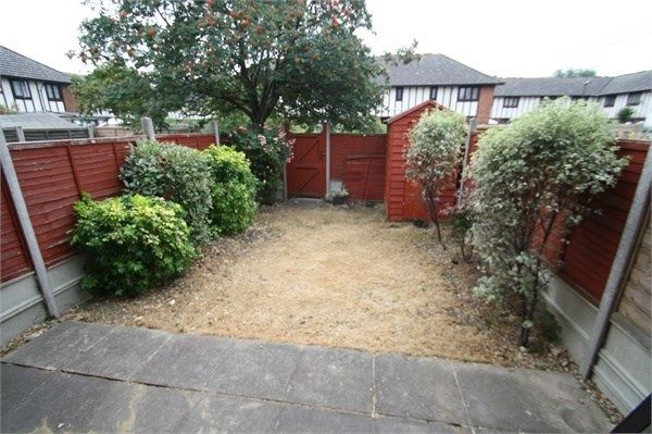 Thumbnail Terraced house to rent in Baseing Close, London