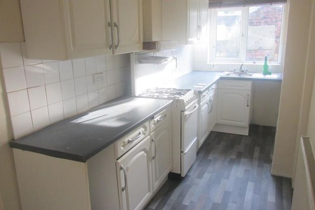 3 bed terraced house to rent in 220 Kimberworth Road, Rotherham