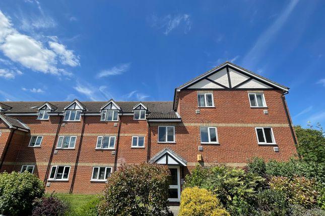 2 bed flat to rent in Primrose Close, Hackbridge, Surrey SM6