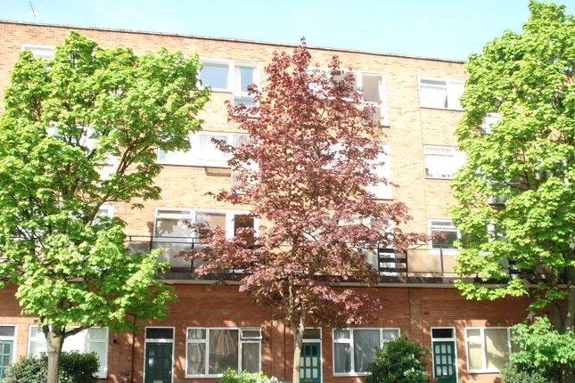 Thumbnail Flat to rent in Coombe Road, New Malden
