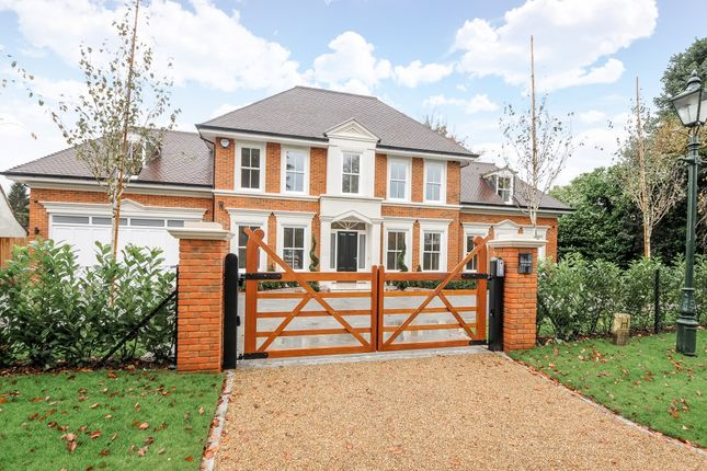 Thumbnail Flat to rent in Broomfield Park, Sunningdale, Ascot