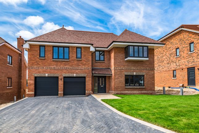 6 bed detached house for sale in Holme Hill, Upton Grey, Hampshire RG25