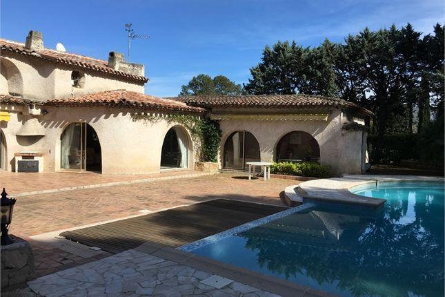 Detached house for sale in Provence-Alpes-Côte D'azur, Alpes-Maritimes, Mougins