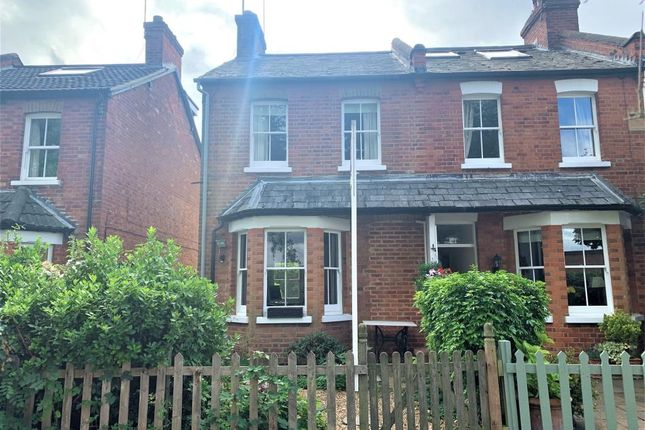 Thumbnail Cottage to rent in Course Road, Ascot