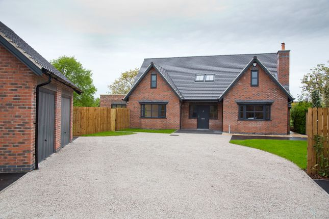 Thumbnail Detached house for sale in Church Road, Egginton, Derby