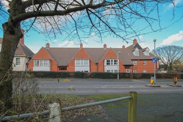 Thumbnail Property for sale in Bridgecote Lane, Laindon, Basildon