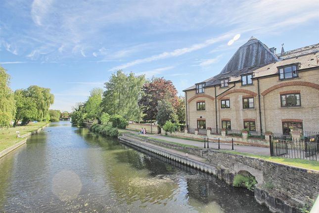 1 bed flat for sale in River Meads, Stanstead Abbotts, Ware