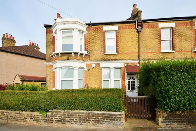 Thumbnail Flat to rent in Radford Road, Lewisham