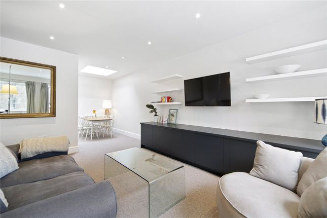 Thumbnail Mews house for sale in Cobham Mews, London
