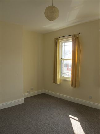 Thumbnail Flat to rent in Commercial Street, Newport