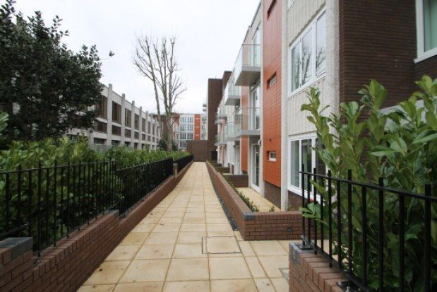 1 bed flat to rent in 8-10 Knoll Rise, Orpington BR6